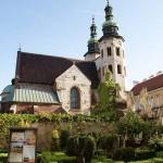 kostel-z-nadvori
